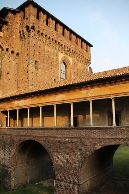 Krużganki zamku w Mediolania